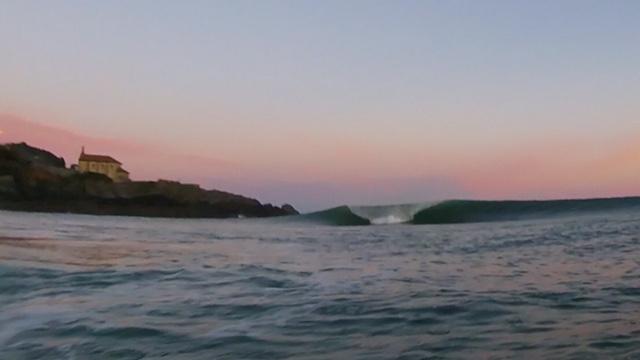 Mundaka-surf-amanecer-1