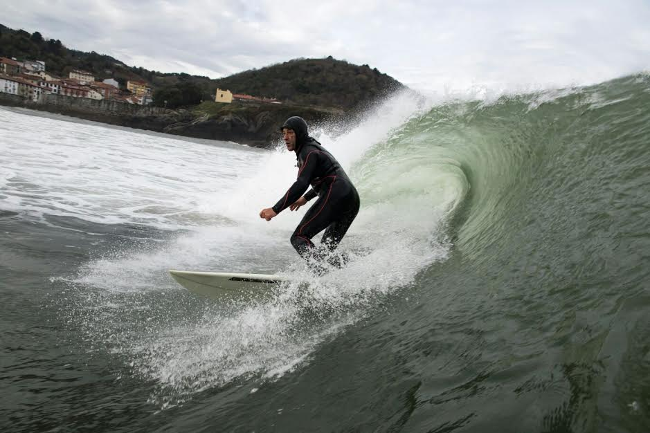 mundaka-happy-surfing-2