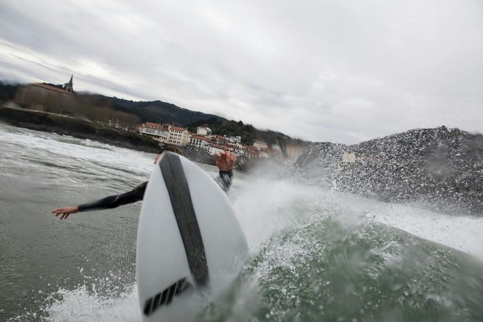 mundaka-happy-surfing-4