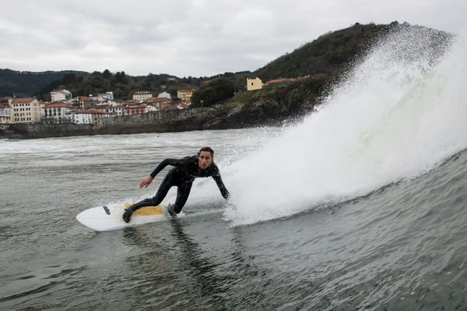 mundaka-happy-surfing-7
