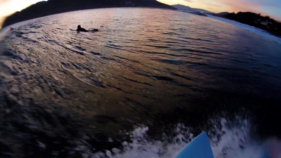 mundaka-surfing-amanecer-ss