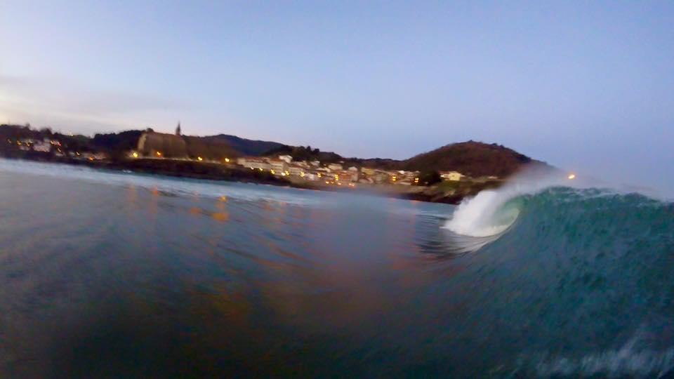 mundaka.olas-amanecer-surf