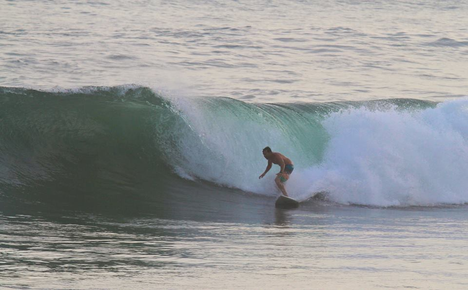 abril-surf-indonesia-14