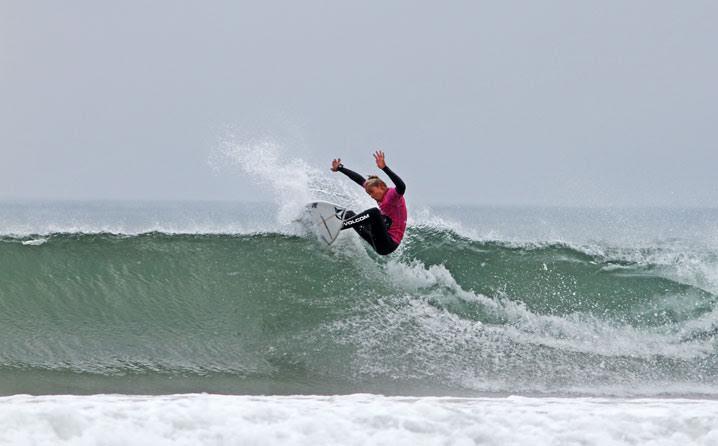 yael-pen%cc%83a-surf-razo